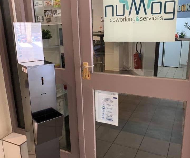 Distributeur de gel hydroalcoolique chez nuMog coworkiing auxerre